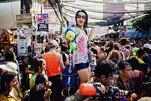 """泰国泼水节""""湿身""""玩法"""